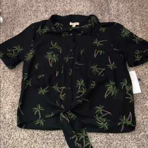 Lily white crop palm trees shirt